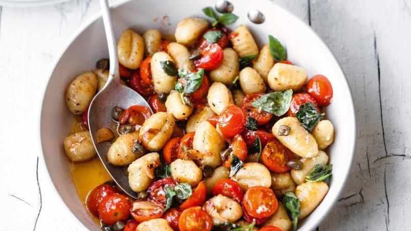 Gnocchi mit buntem Gemüse vom Blech. Einfach, schnell und unglaublich lecker.