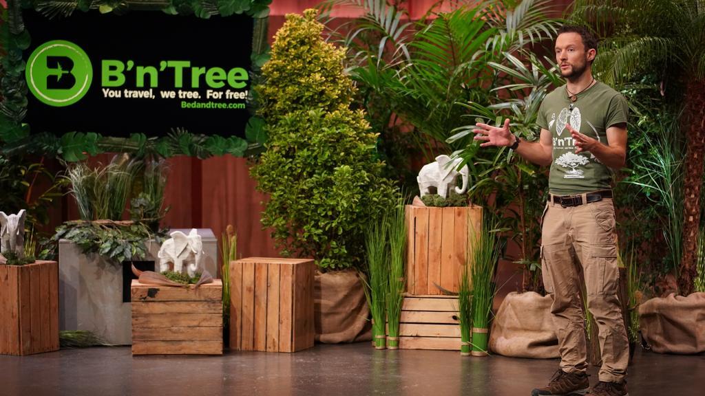 """Chris Kaiser aus Radolfzell präsentiert """"B´n`Tree"""" - Bäume pflanzen als Marketingtool. Er erhofft sich ein Investment von 75.000 Euro für 10 Prozent der Anteile an seinem Unternehmen.  Die Verwendung des sendungsbezogenen Materials ist nur mit dem H"""