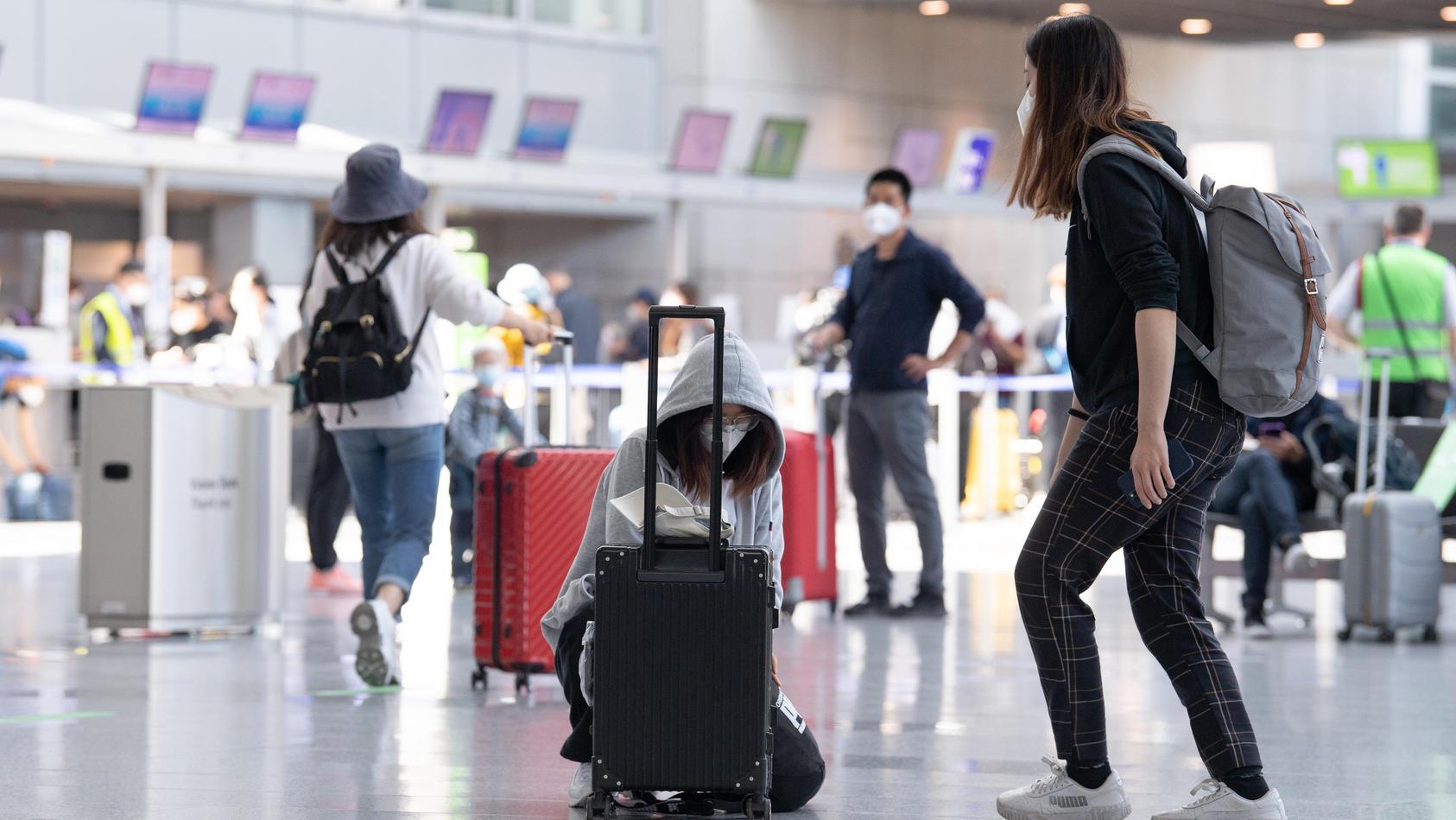 Bald startet der Sommerurlaub. Und nach einer RTL/ ntv Forsa-Umfrage ist klar, dass mehr als die Hälfte in den Urlaub verreisen möchte.