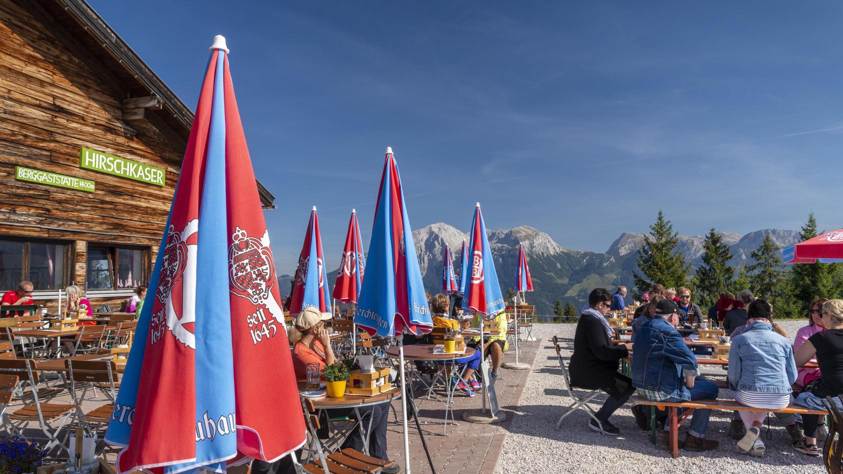 Wer in einer alpinen Hütte nächtigen möchte, muss sich gut vorbereiten. Denn nur wenige haben geöffnet, viele sind schon ausgebucht.