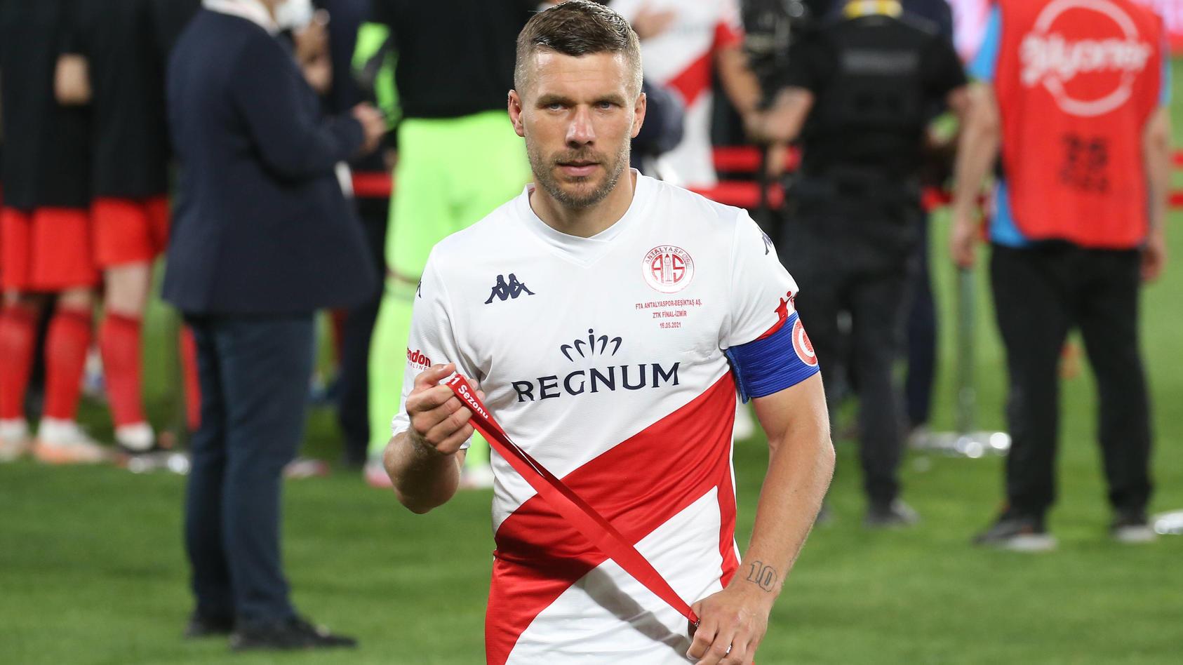Unzufrieden. Äußerst unzufrieden: Lukas Podolski.