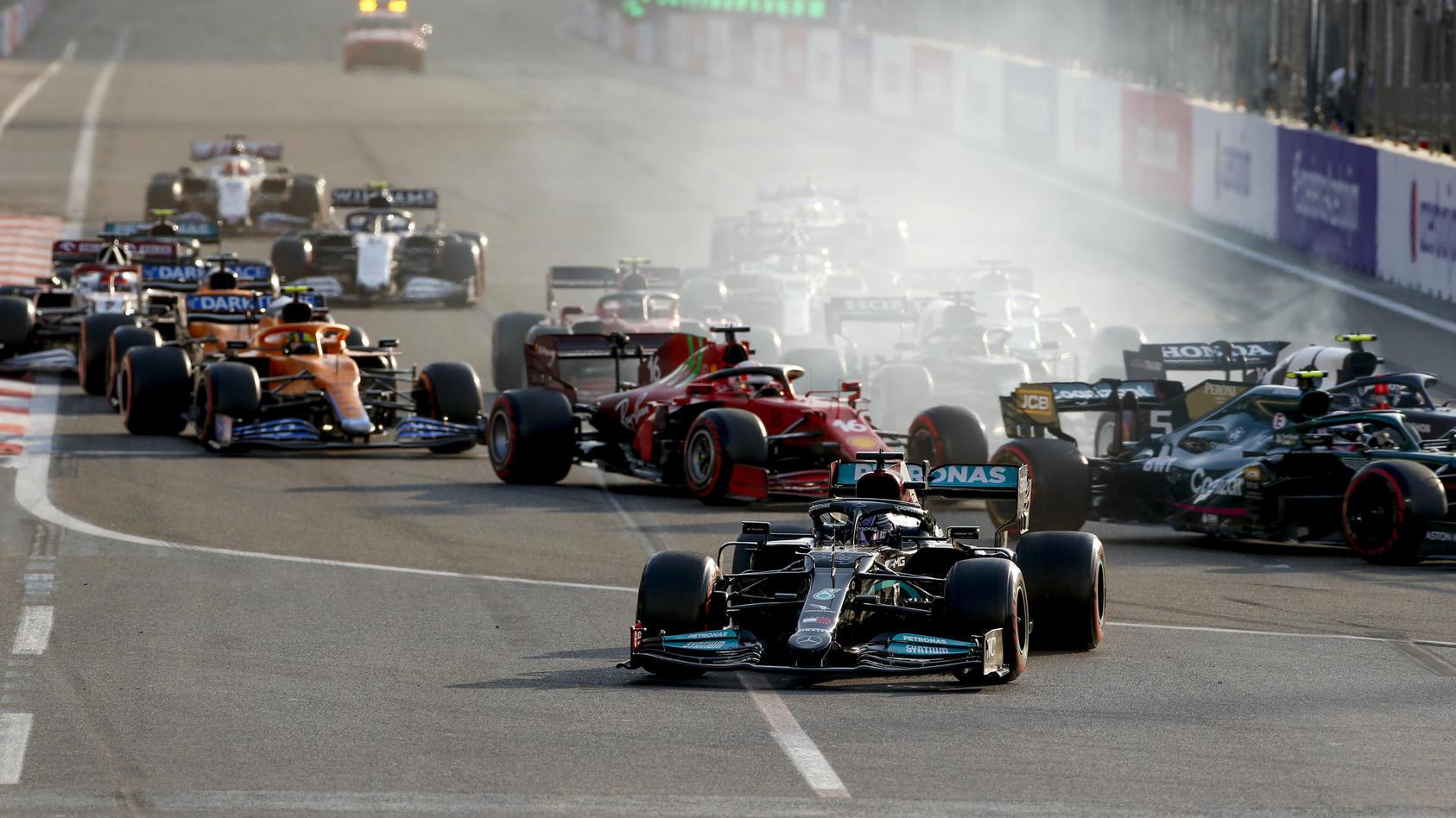 Lewis Hamilton patzte beim Rennen in Baku - es war nicht sein erster Schnitzer 2021.