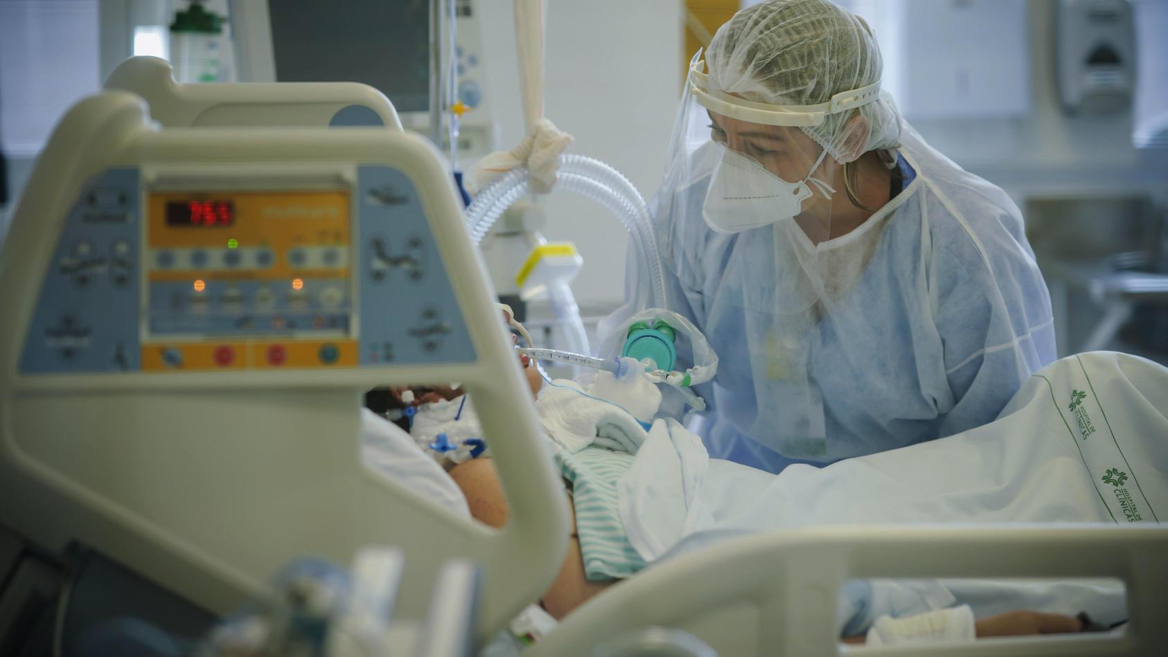 frank-ulrich-montgomery-fordert-mehr-menschen-zu-impfungen-auf