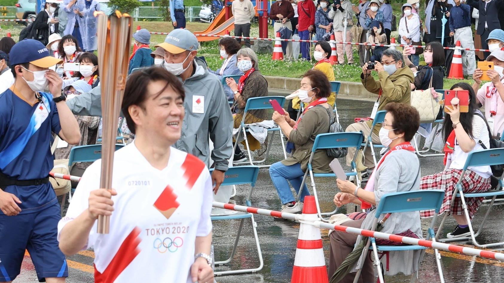 Das Olympische Feuer hat es schon bis Tokio geschafft