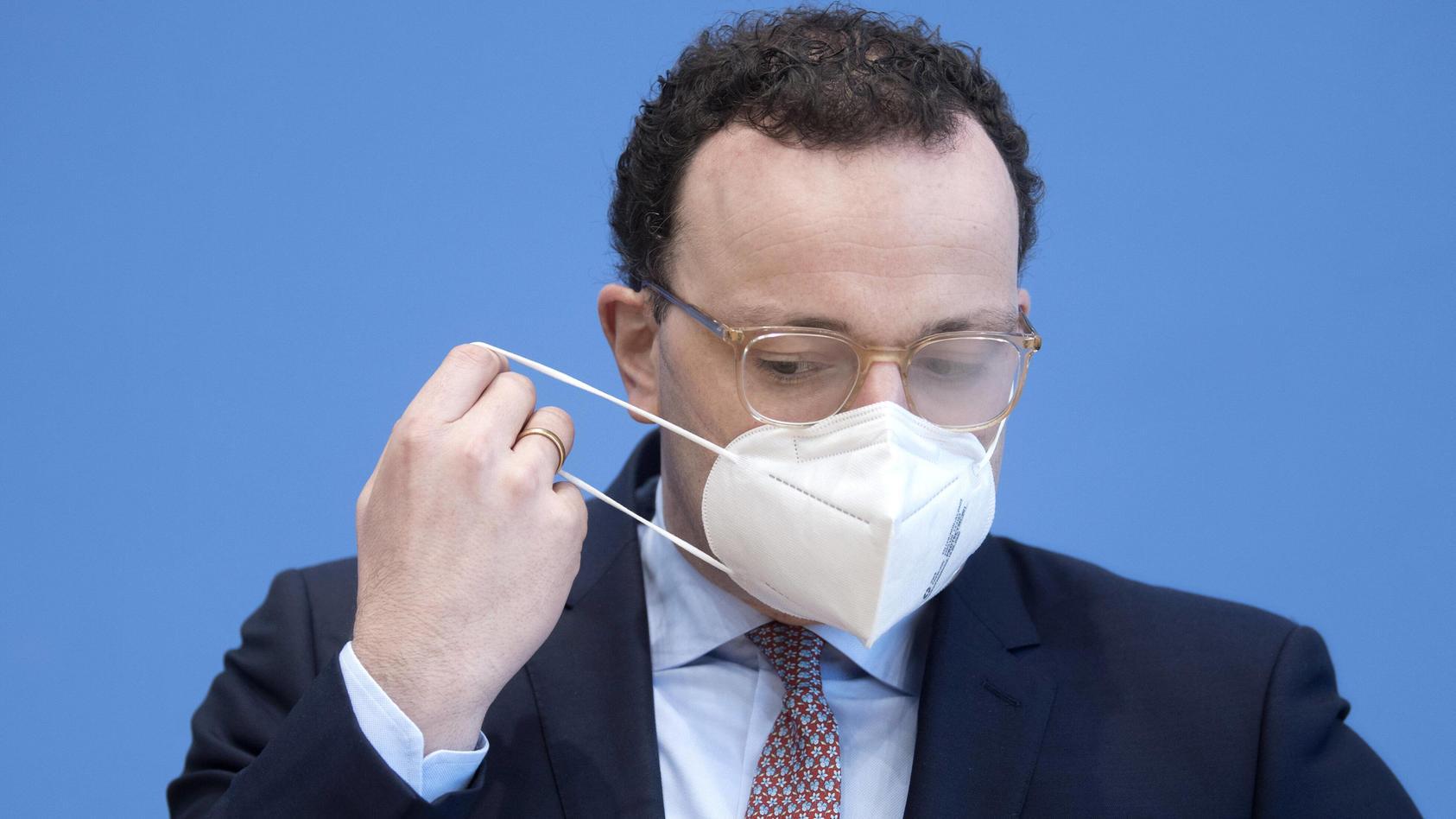 Jens Spahn steht wegen fehlerhafter Corona-Schutzmasken in der Kritik.