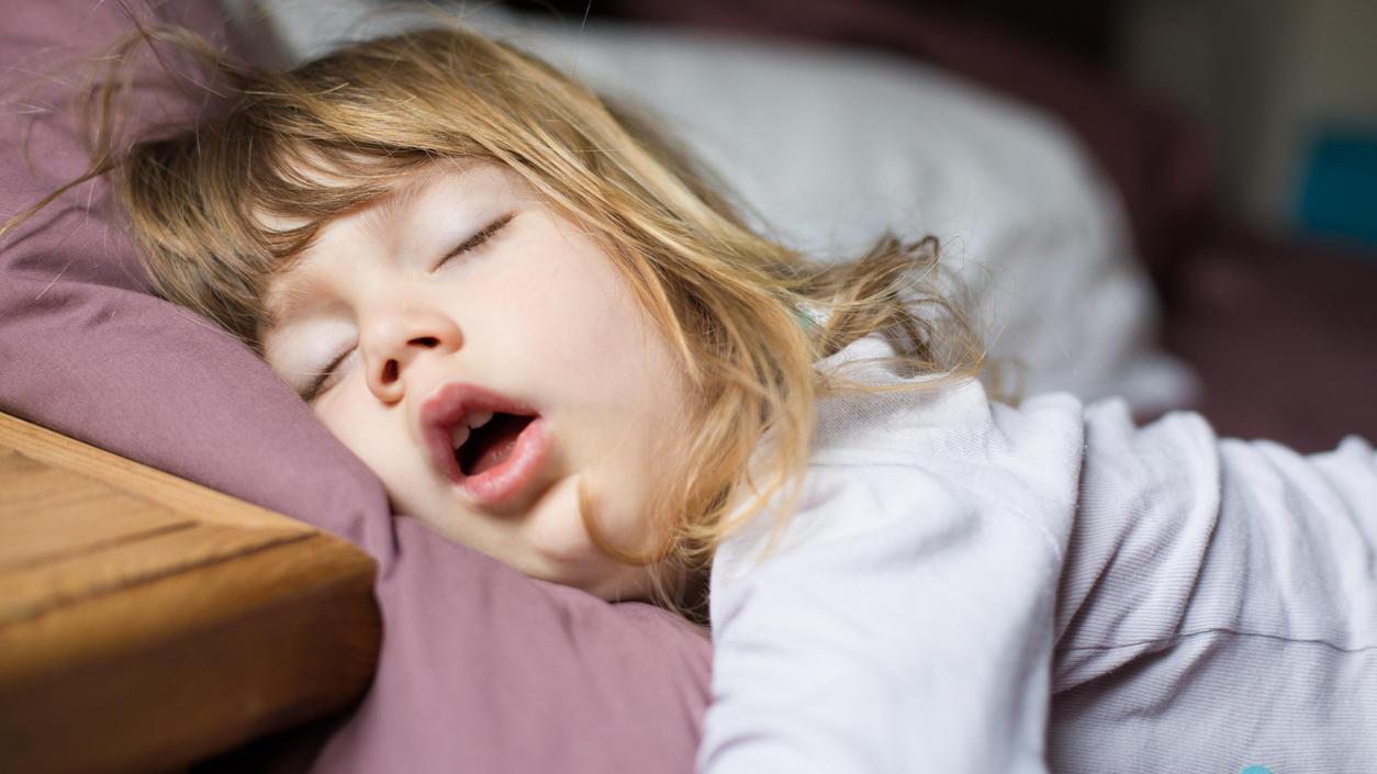 Wenn Kinder schnarchen: Sieht süß aus und hört sich niedlich an - kann aber äußerst ungesund sein.