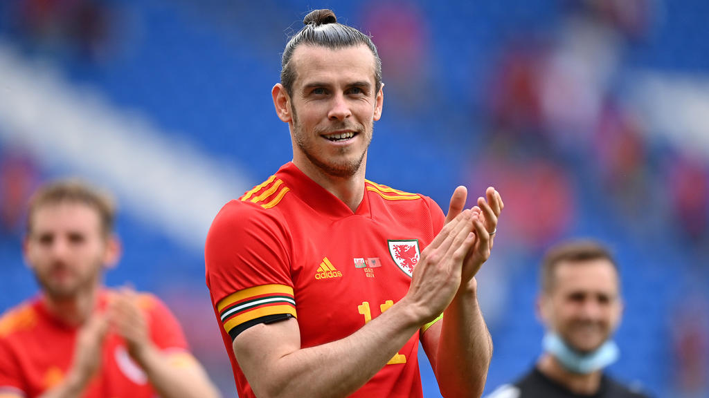 CARDIFF, WALES - JUNE 05: Gareth Bale of Wales applauds fans following the International Friendly match between Wales and Albania at Cardiff City Stadium on June 05, 2021 in Cardiff, Wales. (Photo by Justin Setterfield/Getty Images)