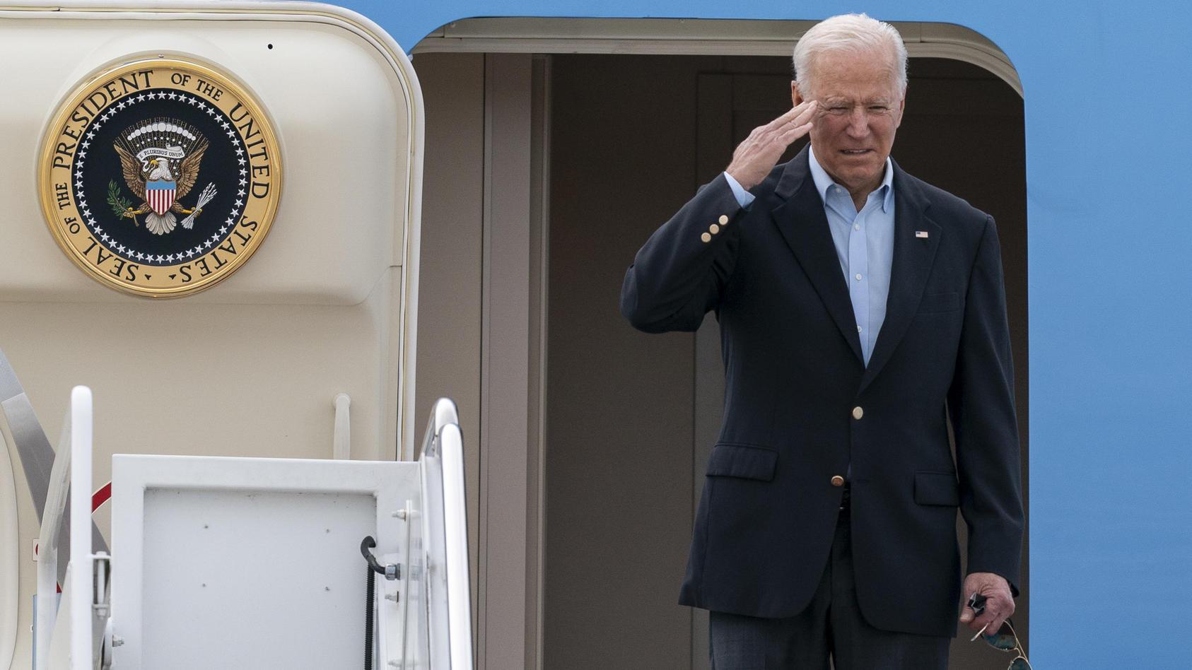 Die Air Force One bringt Joe Biden nach Europa - es ist die erste Auslandreise des US-Präsidenten.