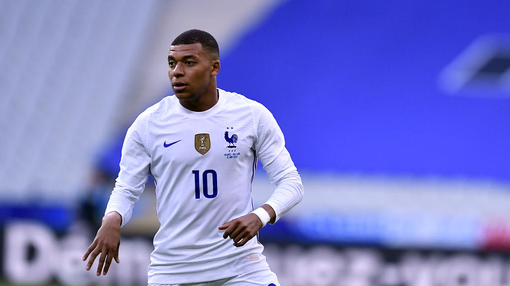 PARIS, FRANCE - JUNE 08: Kylian Mbappe of France looks on during the international friendly match between France and Bulgaria at Stade de France on June 08, 2021 in Paris, France. (Photo by Aurelien Meunier/Getty Images)
