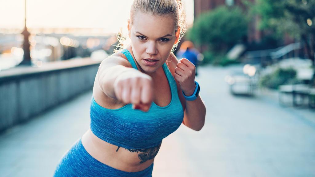 Welche Sportart verbrennt am meisten Fett und lässt die Pfunde purzeln?