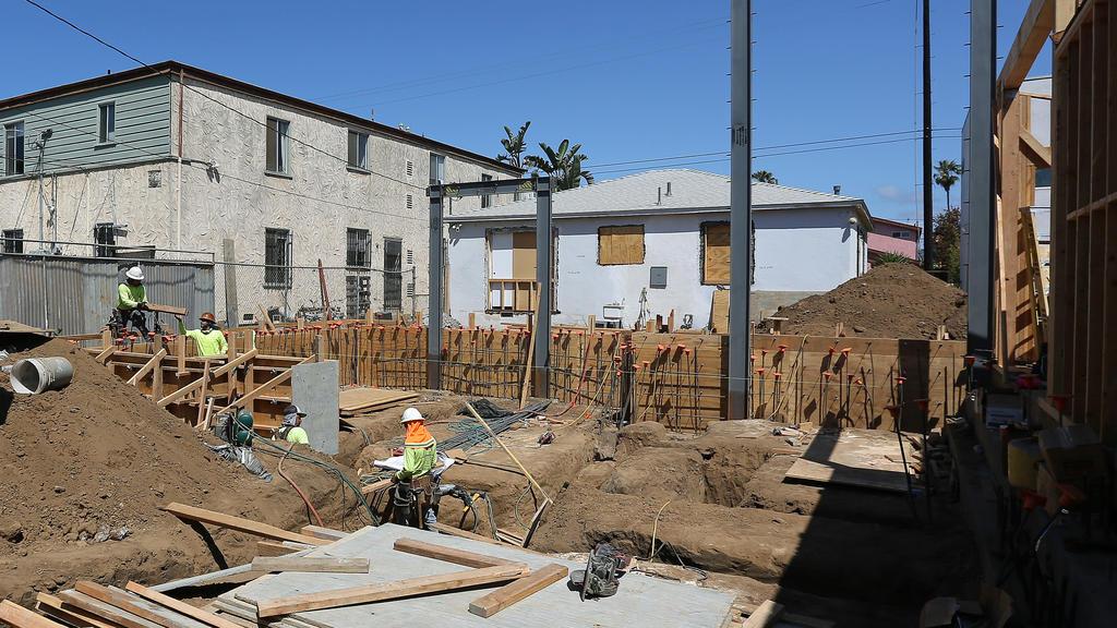 Margot Robbies Haus entsteht mitten in einem Obdachlosen-Zeltlager