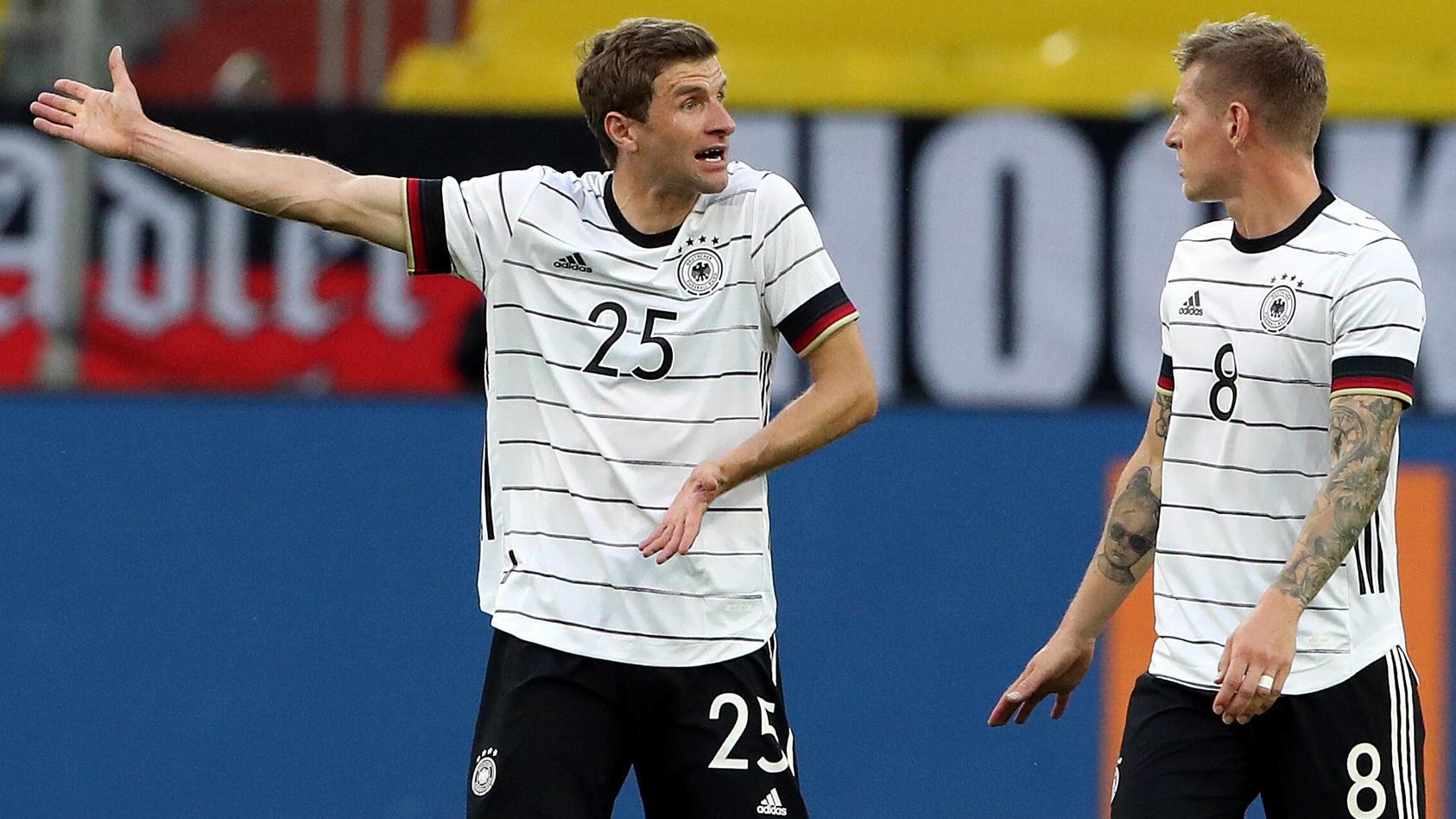 Thomas Müller (l.) ist einer der wenigen deutschen Nationalspieler, dessen Spitzname sich abhebt vom Rest des Teams