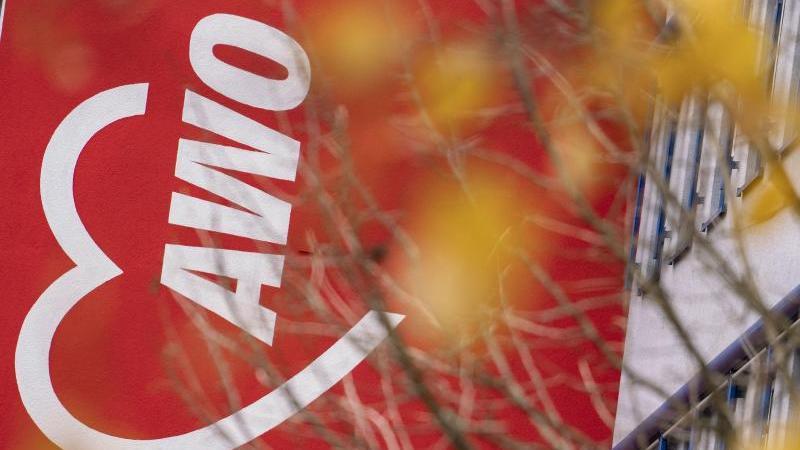 Das Logo der Arbeiterwohlfahrt (Awo). Foto: Frank Rumpenhorst/dpa/Archivbild