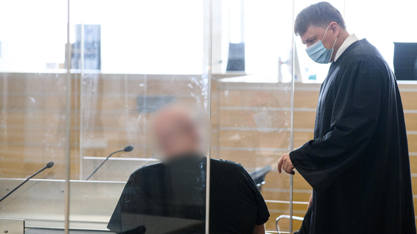 Marco S. muss sich vor dem Landgericht Braunschweig wegen Mordes aus Habgier verantworten.