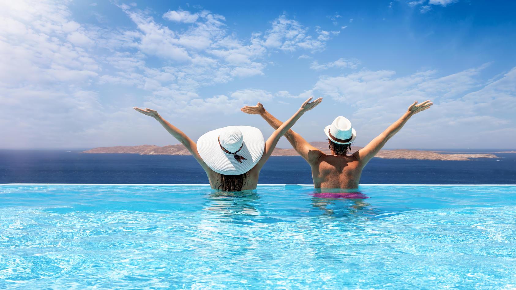Ab in den Urlaub! Mit der Aufhebung der Reisewarnung für Risikogebiete rückt diese Hoffnung immer mehr in greifbare Nähe!