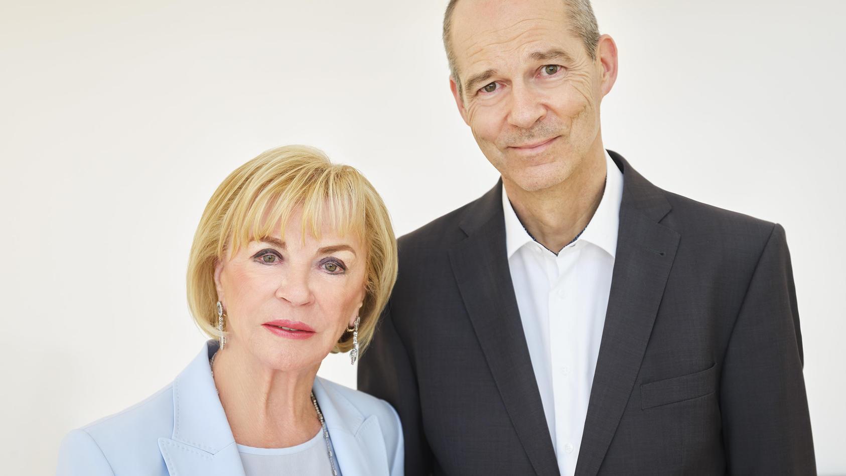 Medienunternehmerin Liz Mohn gemeinsam mit  Sohn Christoph Mohn.