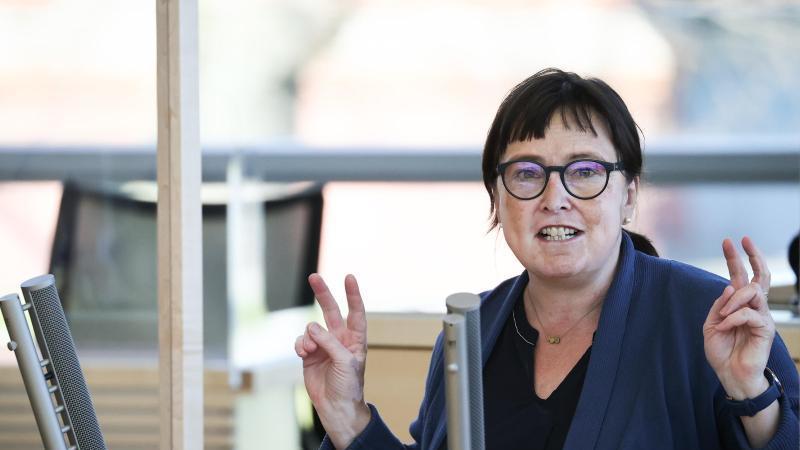 Eka von Kalben (Bündnis90/Die Grünen), Fraktionsvorsitzende von Bündnis90/Die Grünen, spricht. Foto: Christian Charisius/dpa