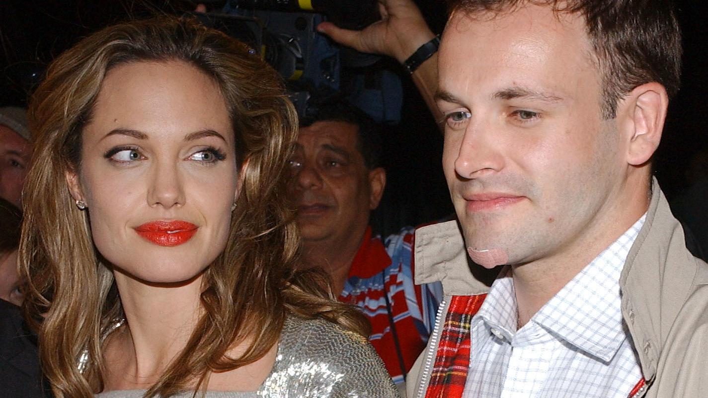 Angelina Jolie und Jonny Lee Miller waren in den 90er-Jahren ein Paar. Bahnt sich ein Liebes-Comeback an?