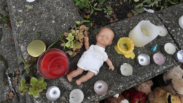 5 Kinder in Solingen getötet - Mutter schweigt zum Prozessauftakt