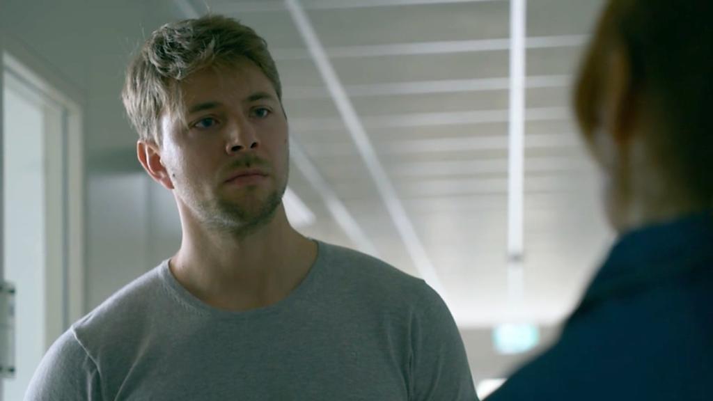 Toni trifft ein letztes Mal auf Bastian in GZSZ-Folge 7284.