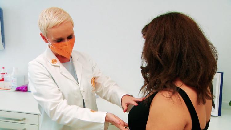 Narben & Verbrennungen - Frau nach Schönheits-OP entstellt