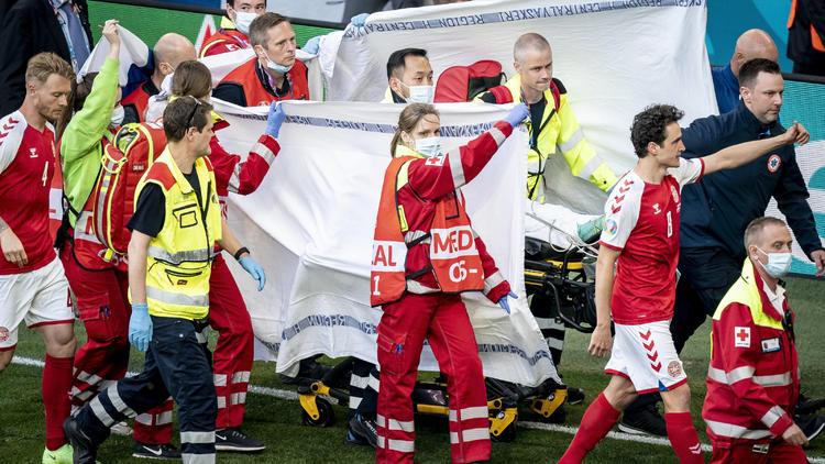 """Deutscher Arzt schildert EM-Drama - Nach Elektroschock öffnete Eriksen die Augen: """"Bin wieder bei euch"""""""