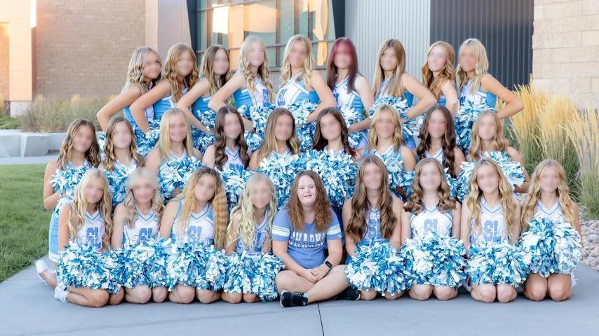 Eine High School aus dem amerikanischen Utah hat den Zorn der Internetgemeinde auf sich gezogen, nachdem sie ein Mädchen mit Down-Syndrom vom Jahrbuchfoto ausgeschlossen hatte.