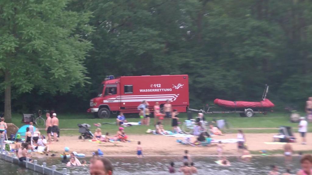Wenige Tage nach einem tödlichen Badeunfall im Bremer Achterdieksee ist am Freitag erneut ein Badegast ertrunken