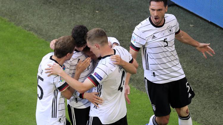 """Pressestimmen zum DFB-Sieg - Das """"Biest"""" holt die Keule raus"""