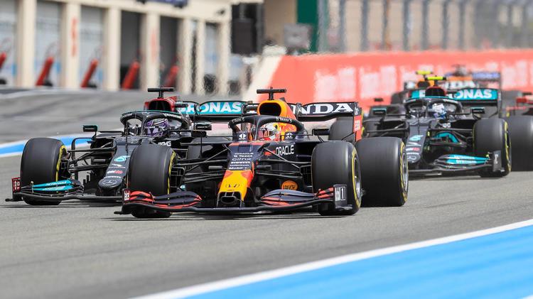 Irres Finish im Frankreich-GP - Verstappen gewinnt Strategie-Thriller