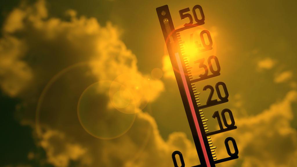 Symbolbild Hitzewelle, Termómetro al sol, 41 grados Celsius, Baden-W ்ட rttemberg, Alemania