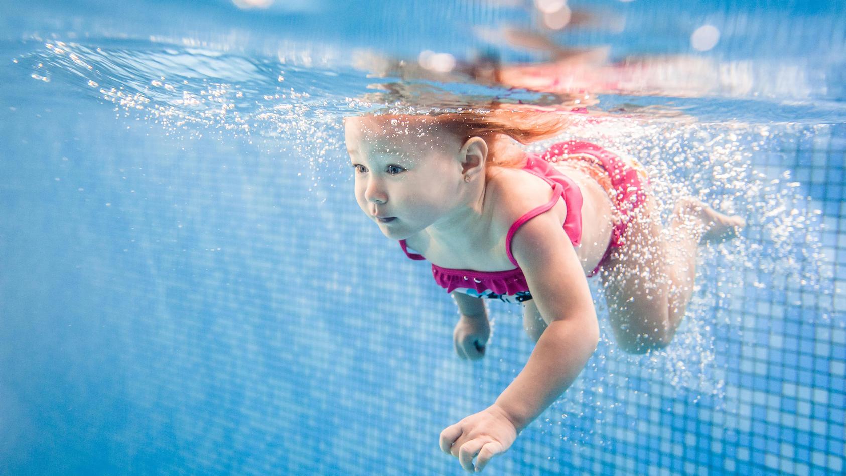 Kein Strampeln, keine Schreie: Ertrinken läuft - auch bei Kindern - meist völlig still ab.