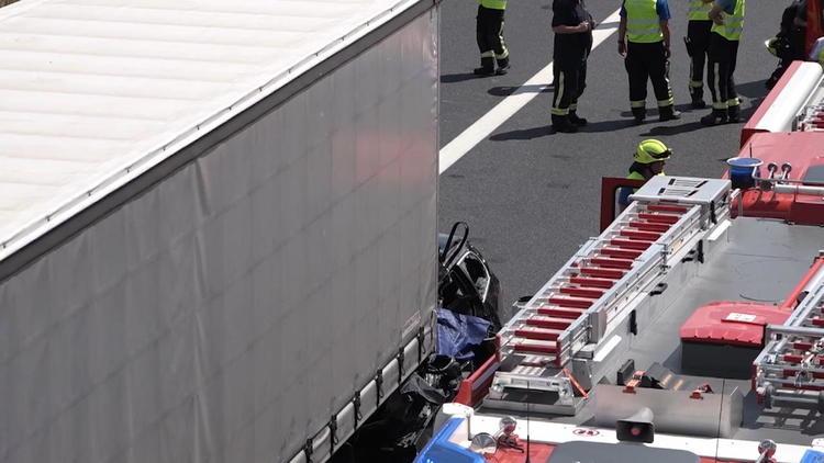 Vier Tote! - Schwerer Unfall auf der A3