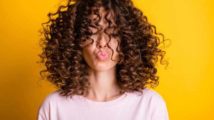 Curly-Girls, aufgepasst - Locken-Smoothie für mehr Glanz? Klar!