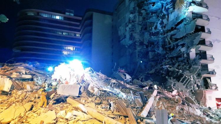 10jähriger aus Hohlraum gerettet - Hochhaus in Miami eingestürzt - Schreie unter den Trümmern