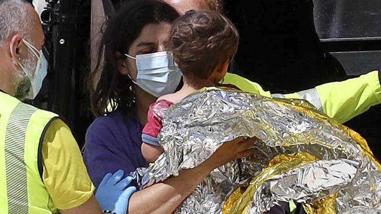 Reporter findet Einjährigen - Vermisster Nicola: Sandalen und Blutspur geben Rätsel auf