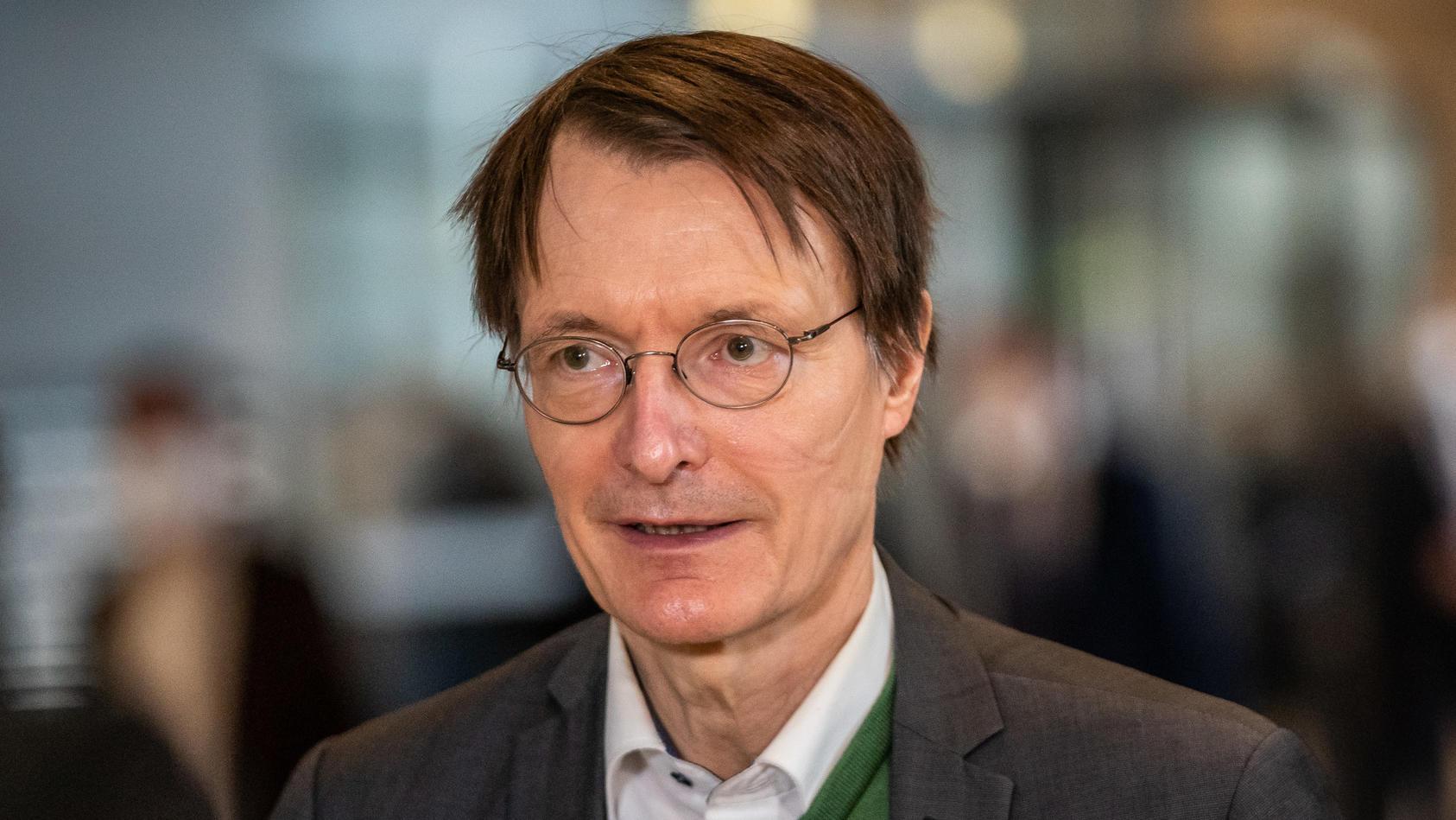 Karl Lauterbach hat in einem Interview erklärt, dem Amt des Gesundheitsministers nicht abgeneigt zu sein