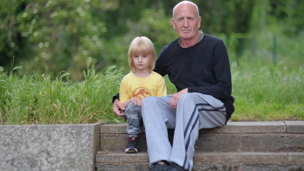Mark Tomlin und der gemeinsame Sohn Orson müssen jetzt ohne Mutter Lucy zurechtkommen.
