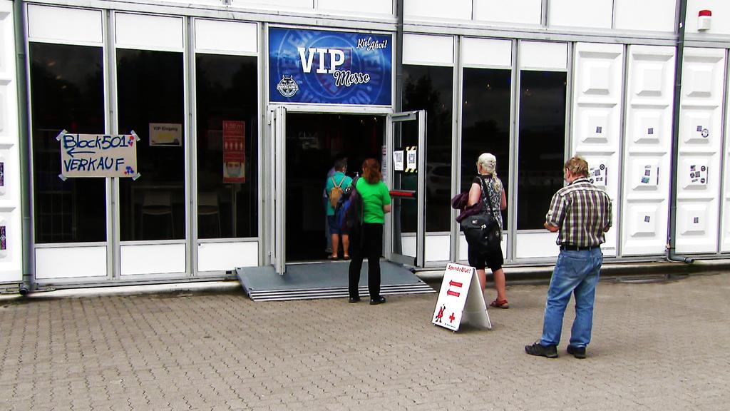 Im Holstein-Stadion in Kiel findet am Donnerstag und Freitag eine große Typisierungsaktion statt.