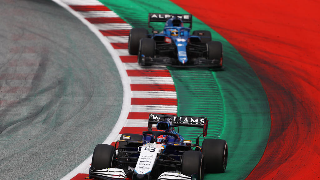 SPIELBERG, AUSTRIA - JULY 04: George Russell of Great Britain driving the (63) Williams Racing FW43B Mercedes during the F1 Grand Prix of Austria at Red Bull Ring on July 04, 2021 in Spielberg, Austria. (Photo by Bryn Lennon/Getty Images)