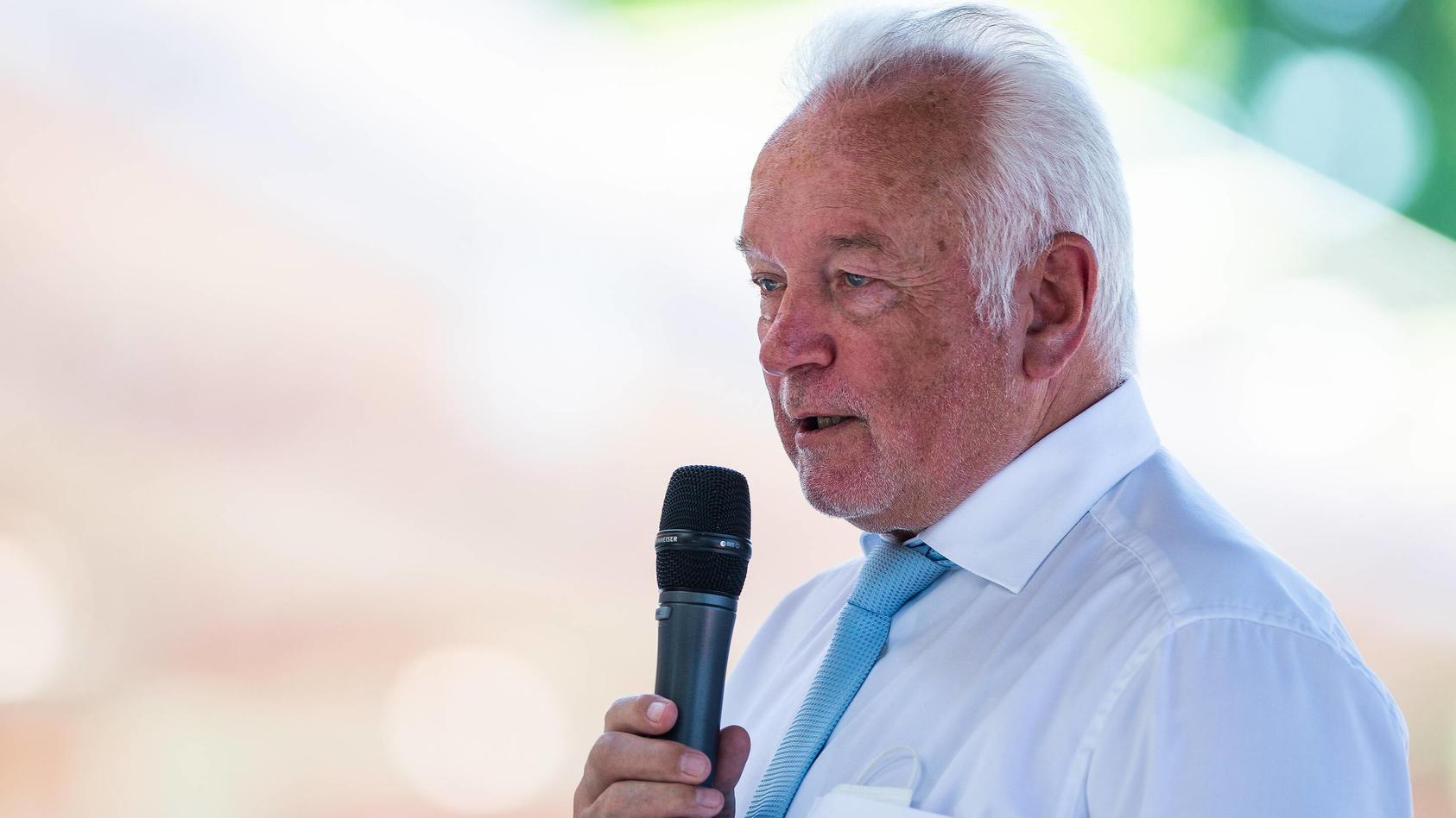 Bundestagsvizepräsident Wolfgang Kubicki (FDP) hat sich offen dazu bekannt, Corona-Regeln während des Lockdowns missachtet zu haben.
