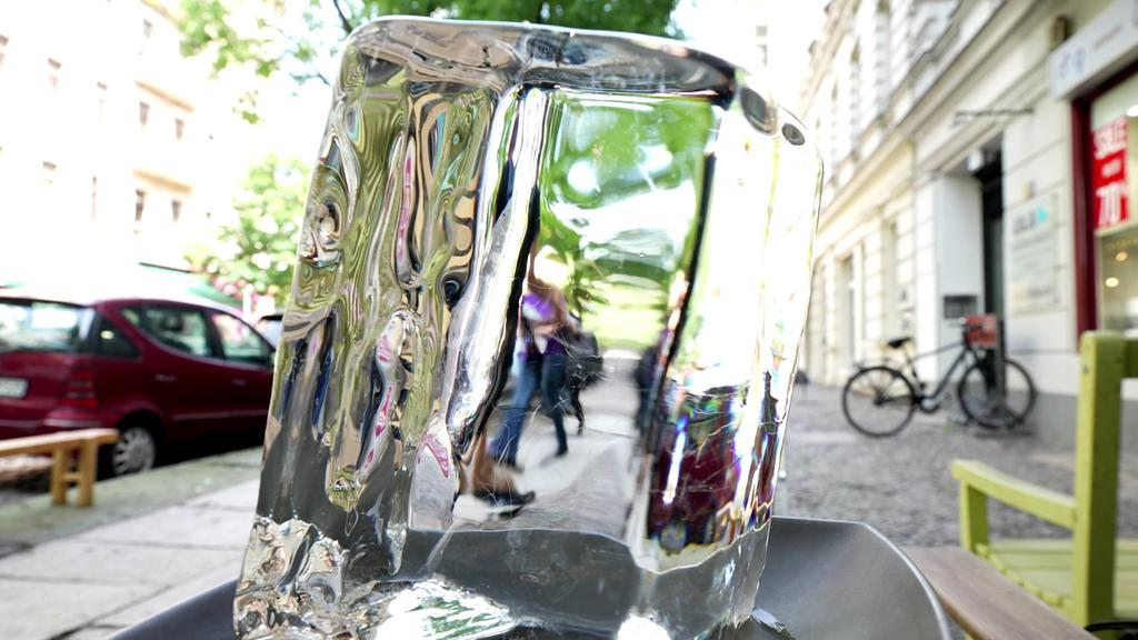 Glasklares Eis