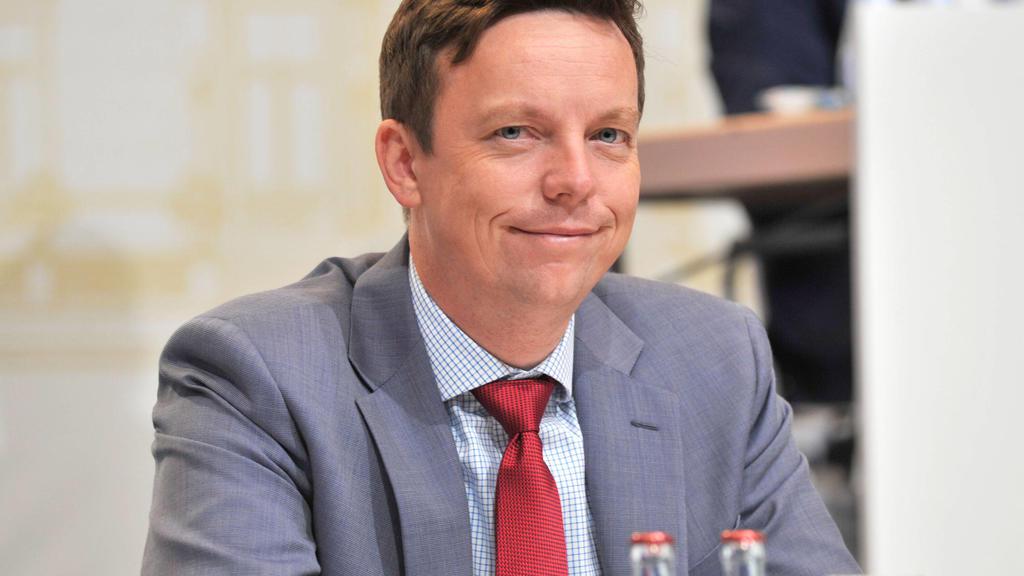 Plenarsitzung des Saarländischen Landtages am Mittwoch 07.07.2021 in der Saarlandhalle in Saarbrücken. Die Abgeordneten kommen zu ihrer letzten Sitzung vor der Sommerpause zusammen. Im Bild: Ministerpräsident Tobias Hans CDU. *** Plenary session of