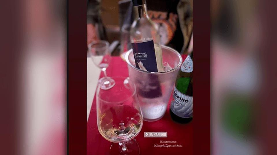 Dieses Bild zeigt, dass Jan-Philipp Weichert und Nina Neuer einen gemeinsamen Abend beim Italiener verbracht haben.