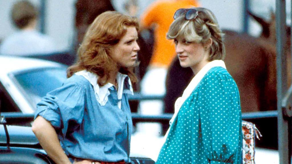 Sarah Ferguson und Lady Diana 1982 bei einem Polospiel.