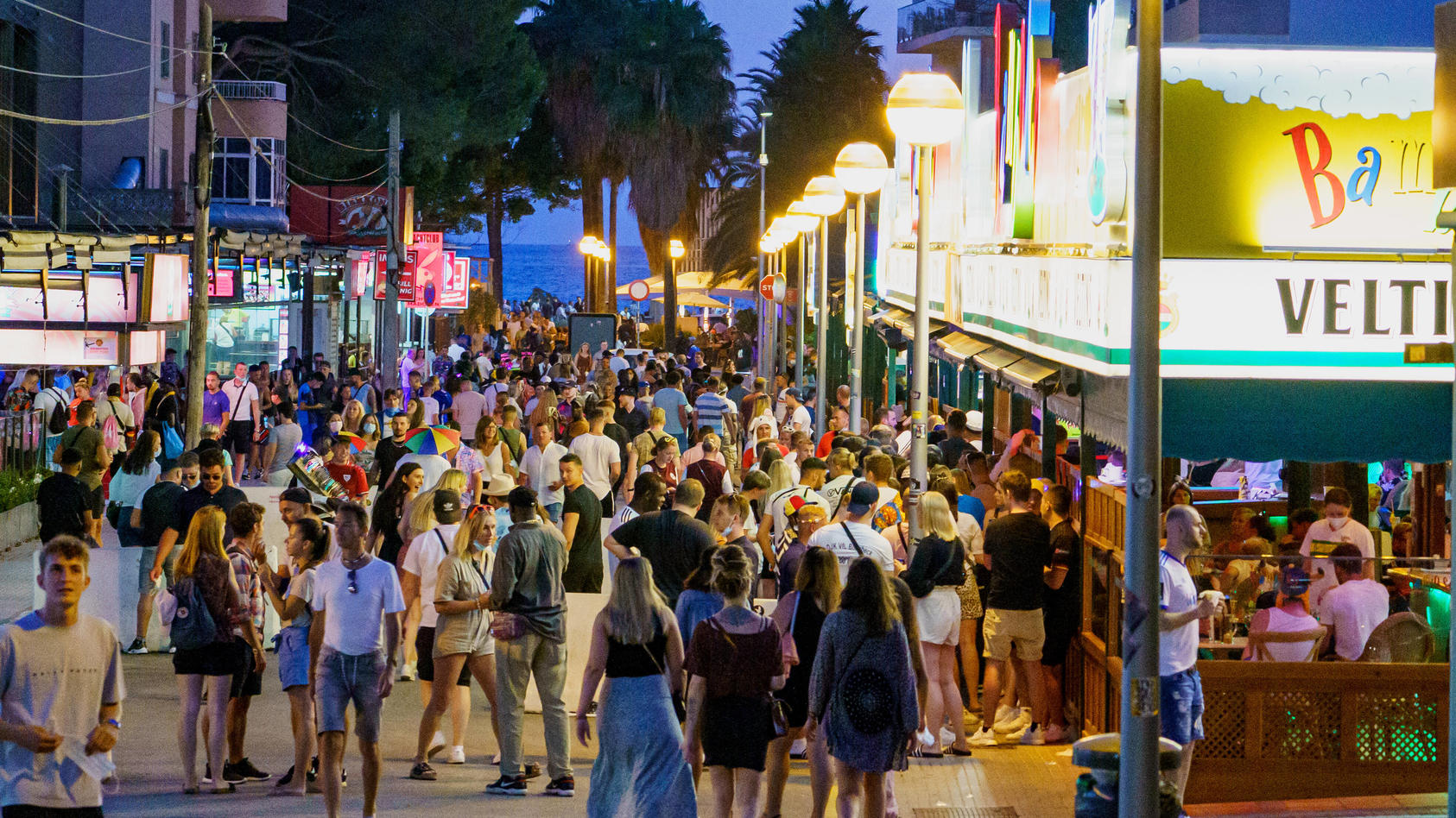 Bald dürfen Touristen auch wieder auf den Tanzflächen von Mallorcas Discos feiern.