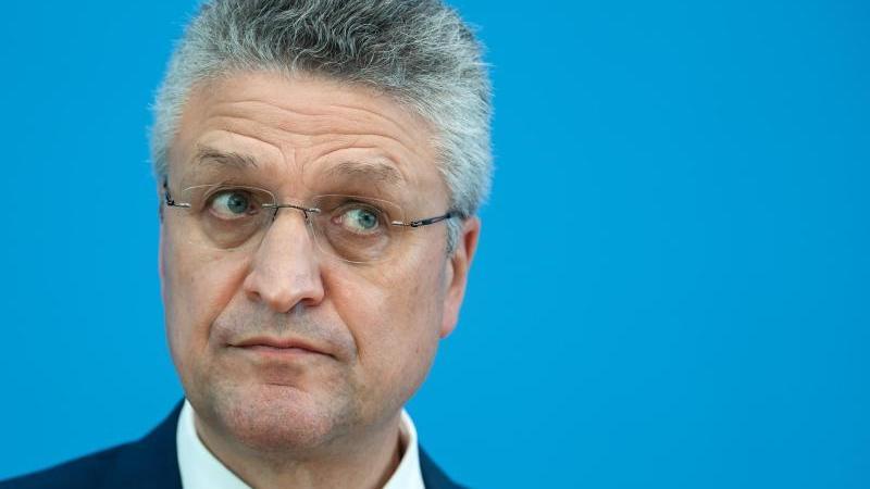 RKI-Präsident Wieler vergangenen Monat während einer Pressekonferenz in Berlin. Foto: Bernd von Jutrczenka/dpa