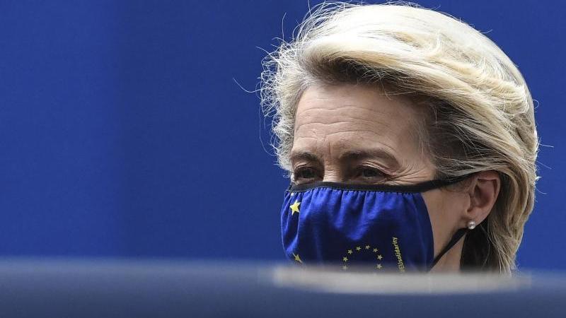 """EU-Kommissionspräsidentin Ursula von der Leyen: """"Wir werden nicht neu verhandeln"""". Foto: John Thys/Pool AFP/AP/dpa"""