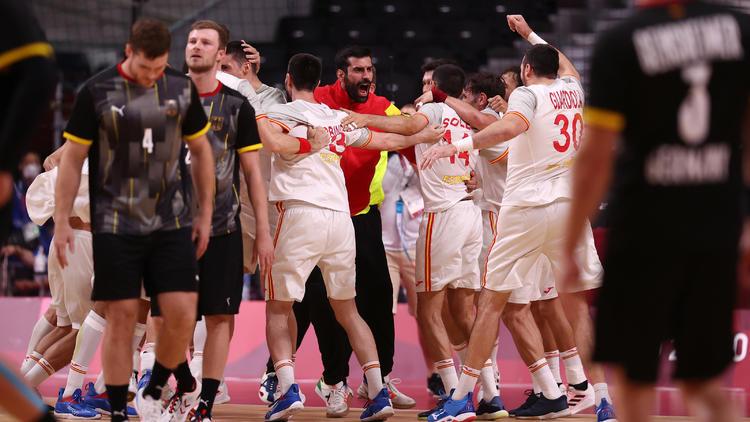 Olympia-Highlights im Video - Handball-Drama und erste Medaillen