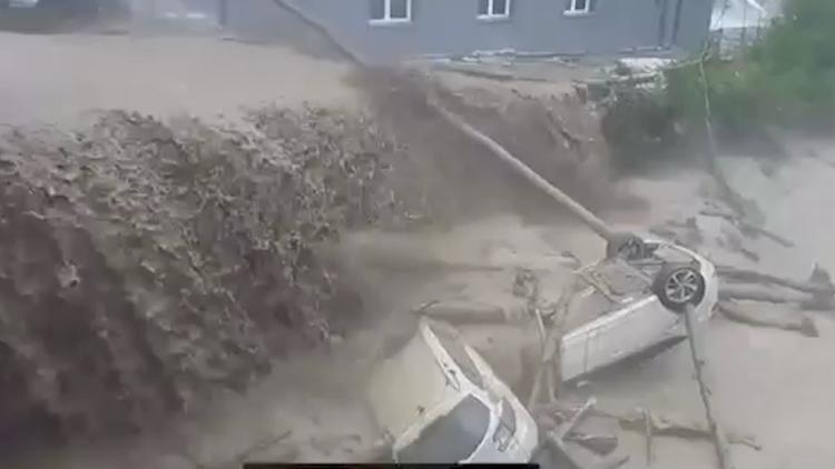 Schwere Schäden nach Gewittern - Unwetter in der Schweiz und Österreich